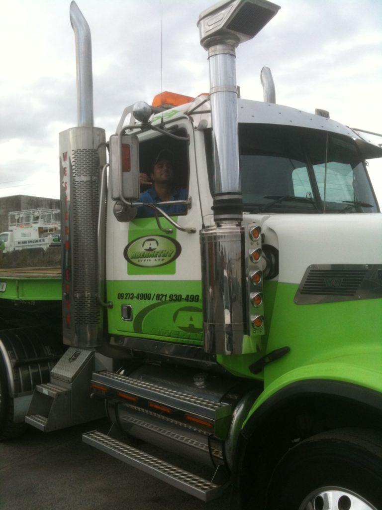 IMG 1410 e1495171668948 768x1024 - Kenworth Truck