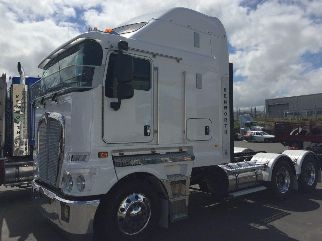 IMG 3762 1024x768 - Kenworth Truck