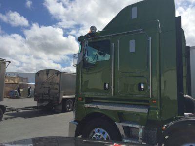 IMG 3763 400x300 - Kenworth Truck