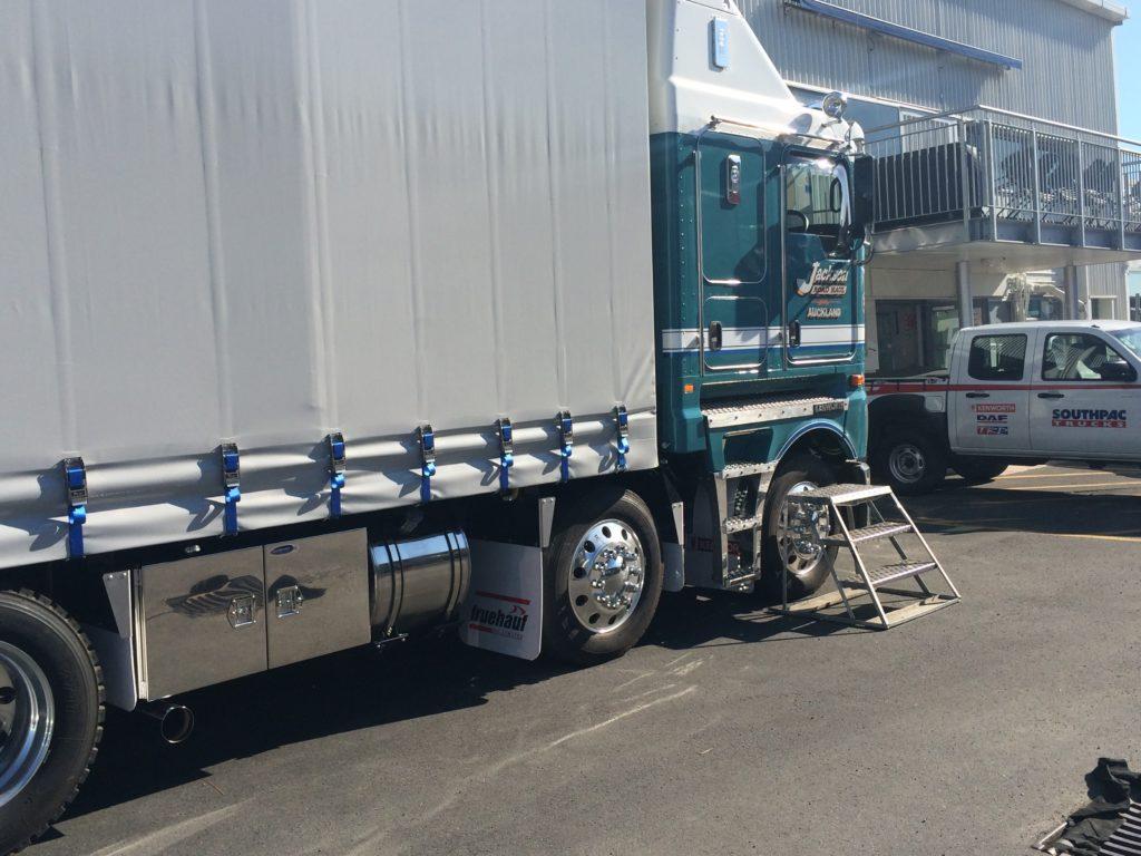 IMG 5115 1024x768 - Kenworth Truck