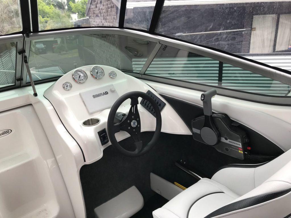 Huntsman Series 6000 Cockpit