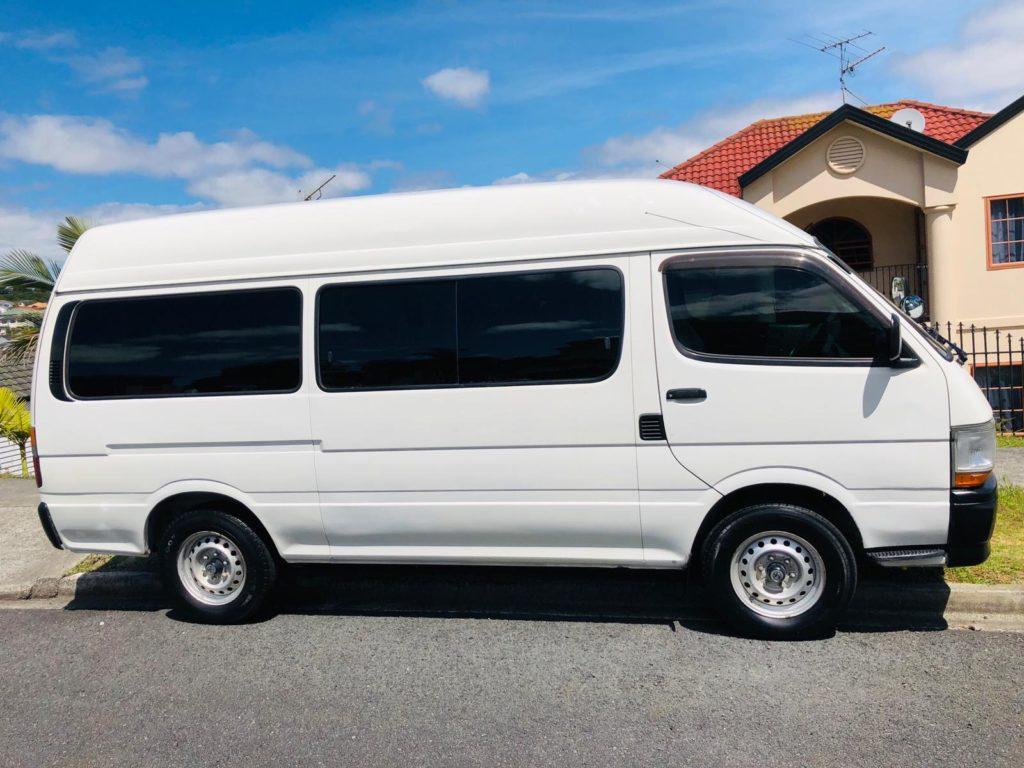 2019 04 08 18.38.55 3 1024x768 - Toyota Hiace Minibus